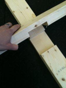 Пазы в деревянных брусках