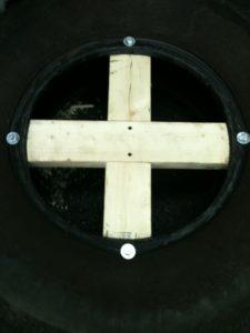 Закрепление крестовины автомобильной покрышке